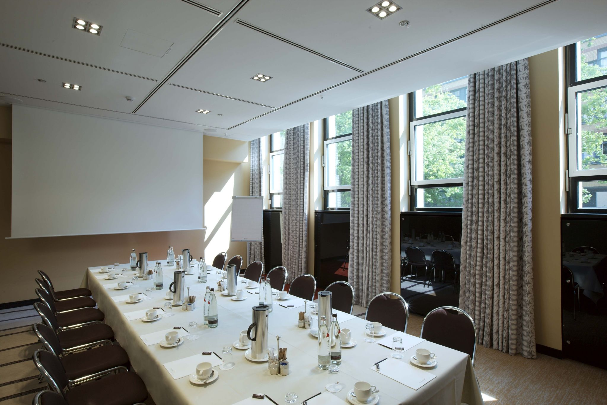 Meetings Berlin: Sheraton Grand Hotel Esplanade: Meeting Room Epsilon
